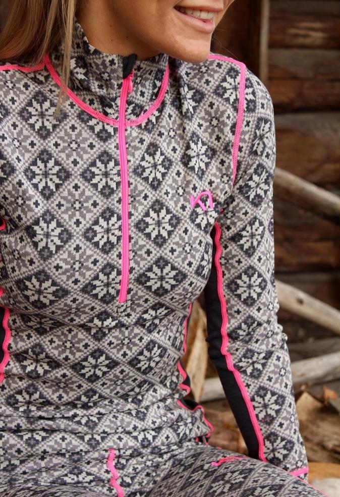 karitraasnowflake with pinkstripe